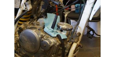 ADVMoto's Top End Rebuild Guide for your Honda XR650L